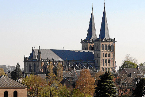 Dom St. Viktor | ferienwohnung-neiling-niederrhein.de | Foto: User:Beckstet/wikimedia commons cc-by-sa-3.0